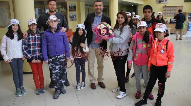 """23 Nisan Festivali'ne ilk gelen ülkeler """"Çekya ve Lübnan"""""""