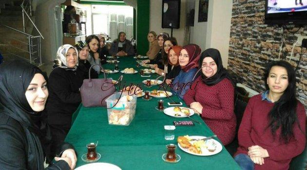 Rizeli bayanlar kahvaltıda buluştu