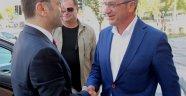 Vali Hüseyin Aksoy  Başkan Köşker'e konuk oldu